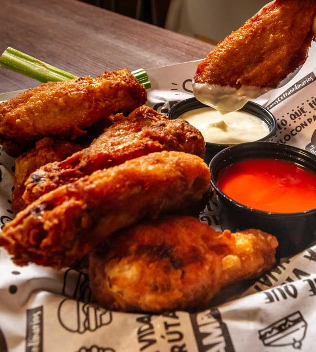 Slabón Chicken Wings